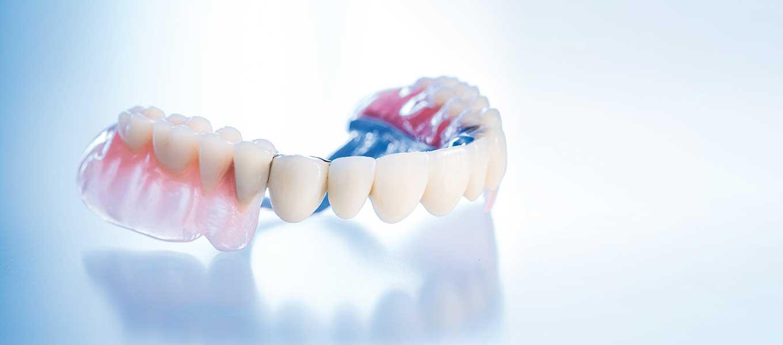 Zahnersatz gaumenplatte